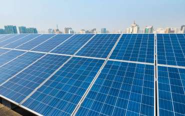solar-energy-and-city-PEKGJV8-370x232.jpg